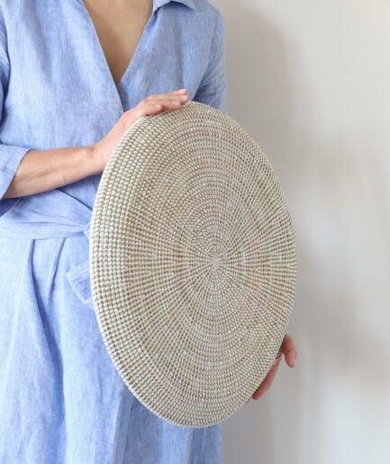 Flache Schale in Weiss ♥ Weiße Wanddekoration aus Seegras | Flache Schale und Wandteller als Dekoration | Onlineshop Soulbirdee Deko & Interior