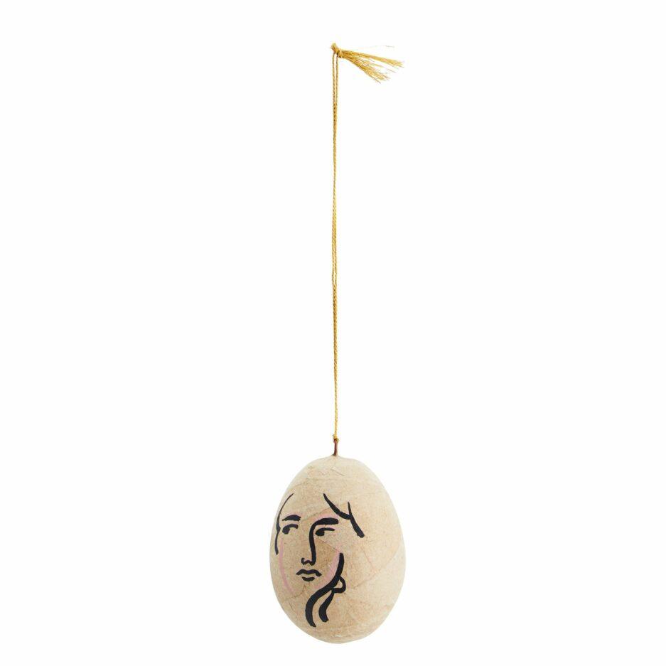 Hängendes Ei mit Gesicht ♥ Ei von der Marke Madam Stoltz im Boho Stil mit Muster. Traumhaft schöne Oster Deko im Bohemian Stil für Ostern