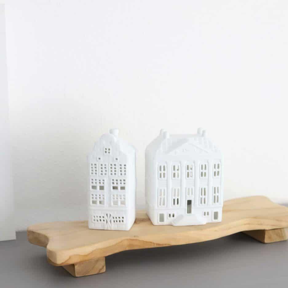 Längliches Tablett mit 40 x 13 cm aus Teakholz von der Marke WMG. Holzbretter zum servieren aus Holz bei Soulbirdee kaufen