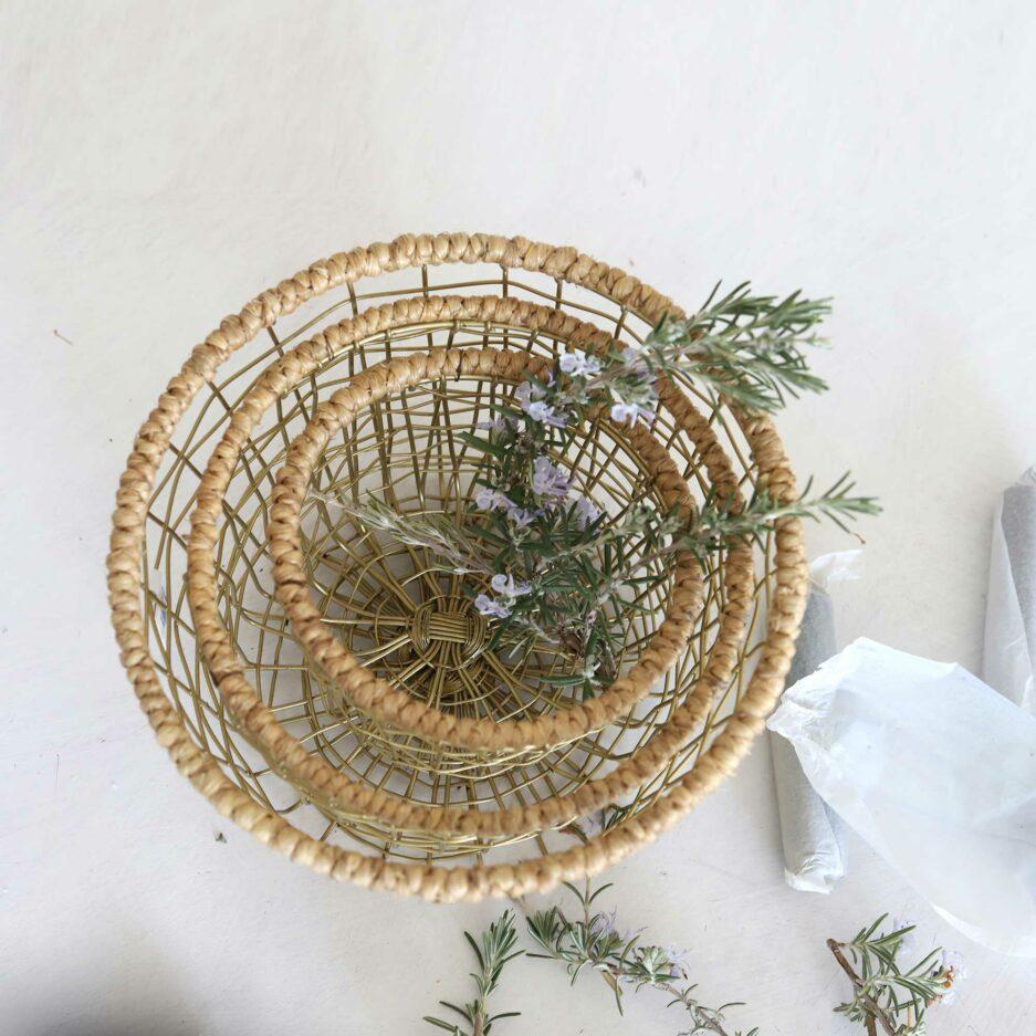 Stapelbarer kleiner Metallkorb für Brot oder Pflanzen. Soulbirdee Onlineshop