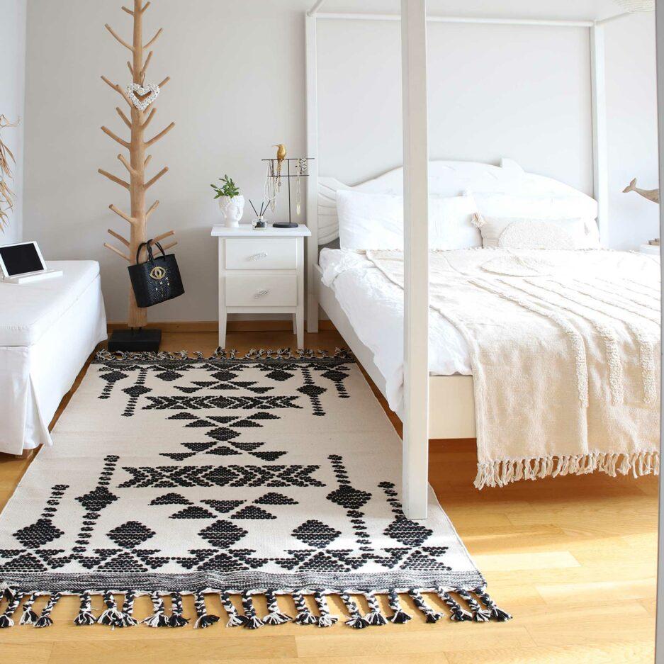 Skandinavischer Teppich in Neutral Tones beige schwarz, Teppich online kaufen