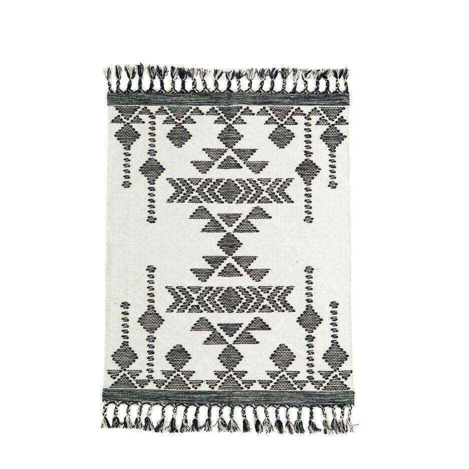 Skandi Baumwollteppich in Schwarz & Off-White mit Fransen & Ethno Muster ♥ Skandinavischen MadamStoltz Teppich kaufen ♥ Soulbirdee Onlineshop