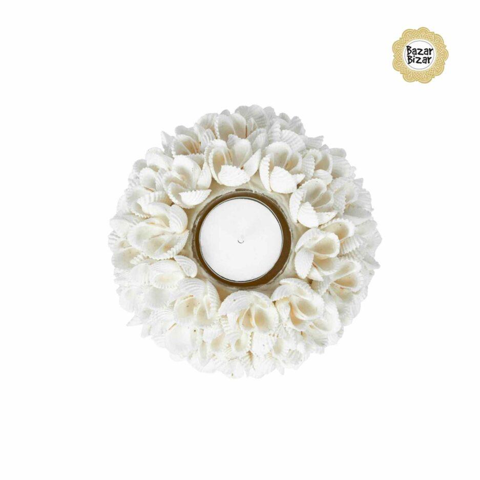 Weisser Kerzenhalter Teelichthalter aus weißen Muscheln von Bazar Bizar FLOWER POWER ♥ Boho Deko aus Bali ♥ Boho Style Deko online kaufen im Soulbirdee Onlineshop