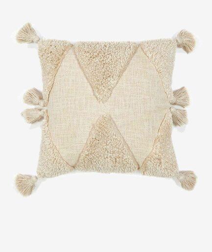 Kissen Sazu in 45 x 45 cm zum Kuscheln | Kissen mit Quasten und Skandi Muster. Quadratisches Dekokissen online kaufen | Liv Interior Kissen
