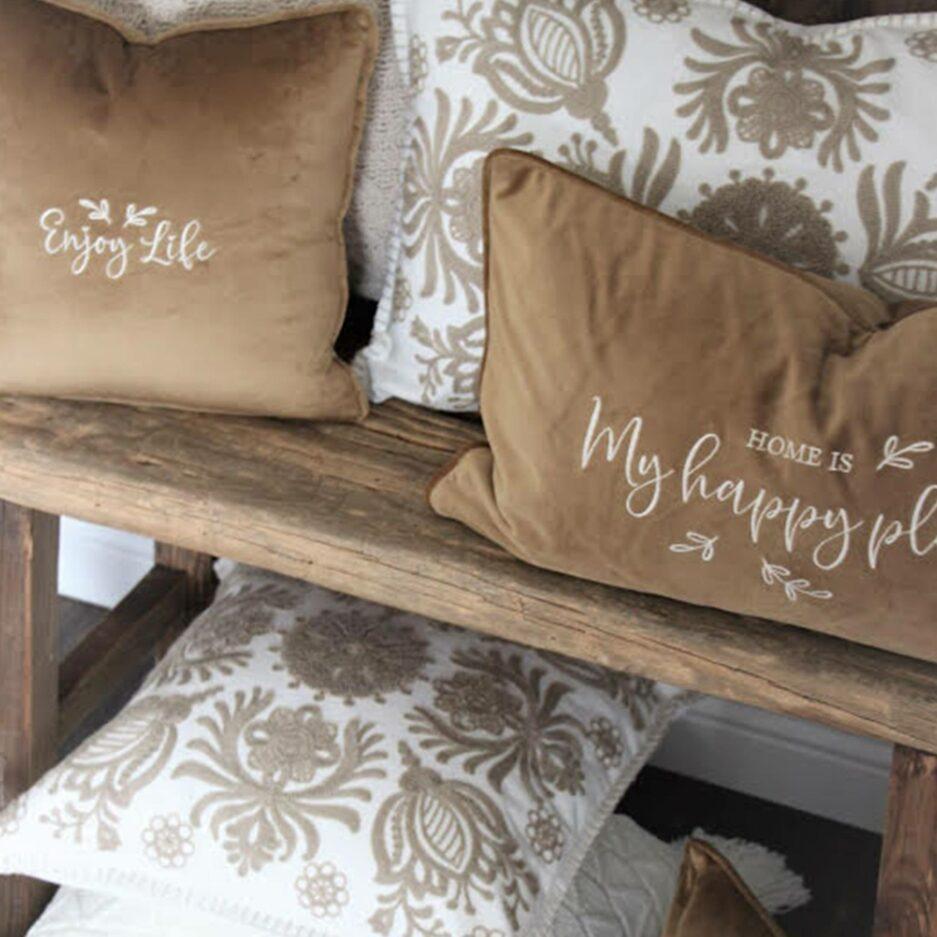 Kissen in Braun Nuancen mit einem floralen Muster ♥ Skandi Kissen kaufen im Soulbirdee Onlineshop