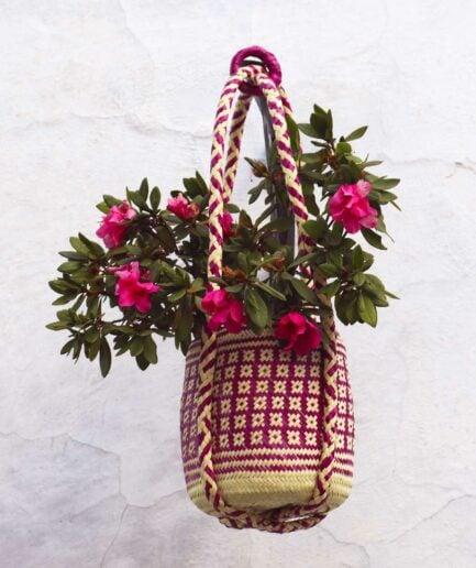 Pink Mexikanische Pflanzenampel ♥ Gewebte Pflanzen Hängedeko aus Palmfaser ♥ aus Mexiko ♥ Boho Dekoration online kaufen ♥ Soulbirdee Onlineshop