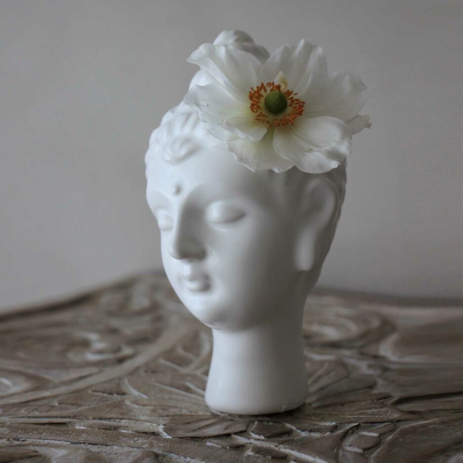 Buddha Vase aus weißem Porzellan ♥ Für Yoginis und Yoga Fans ein schönes Geschen ♥ Buddha Vase als Boho Deko ♥ Soulbirdee Onlineshop