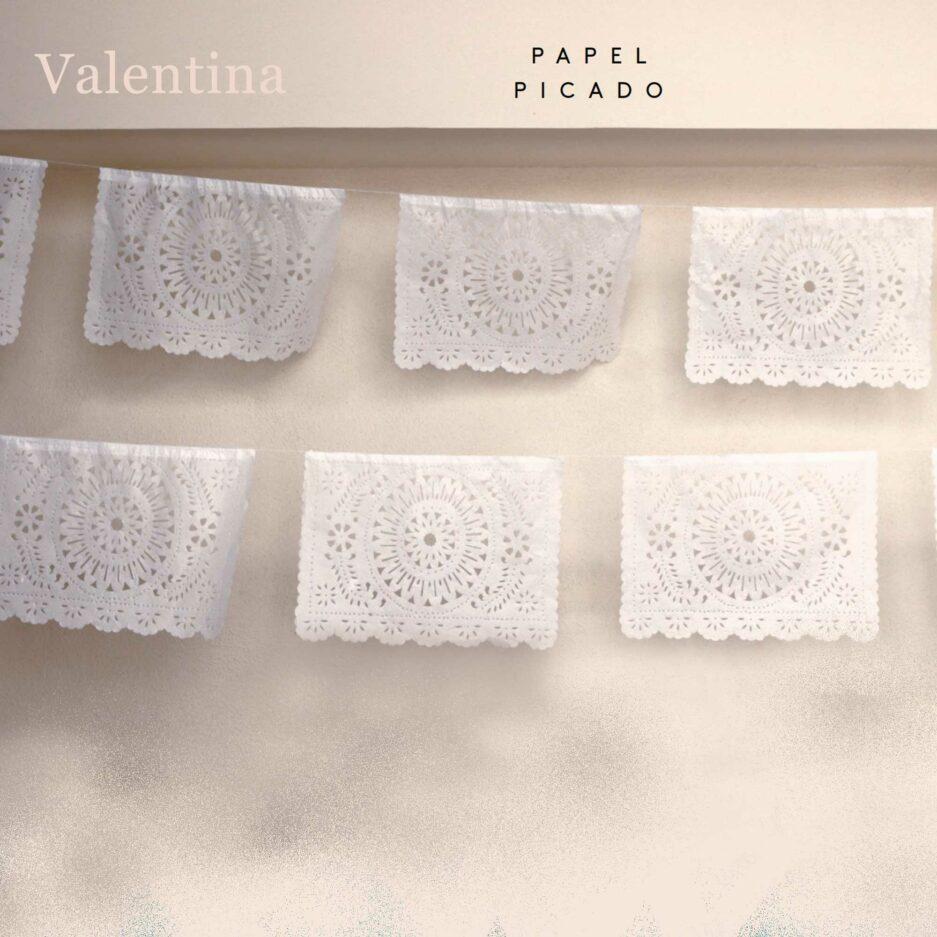 Weisse Papier Girlande aus Mexiko ♥ Boho Deko Fahne ♥ Dekoration im Boho Style für Geburtstag ♥ Ethno Deko online kaufen ♥ Soulbirdee Onlineshop