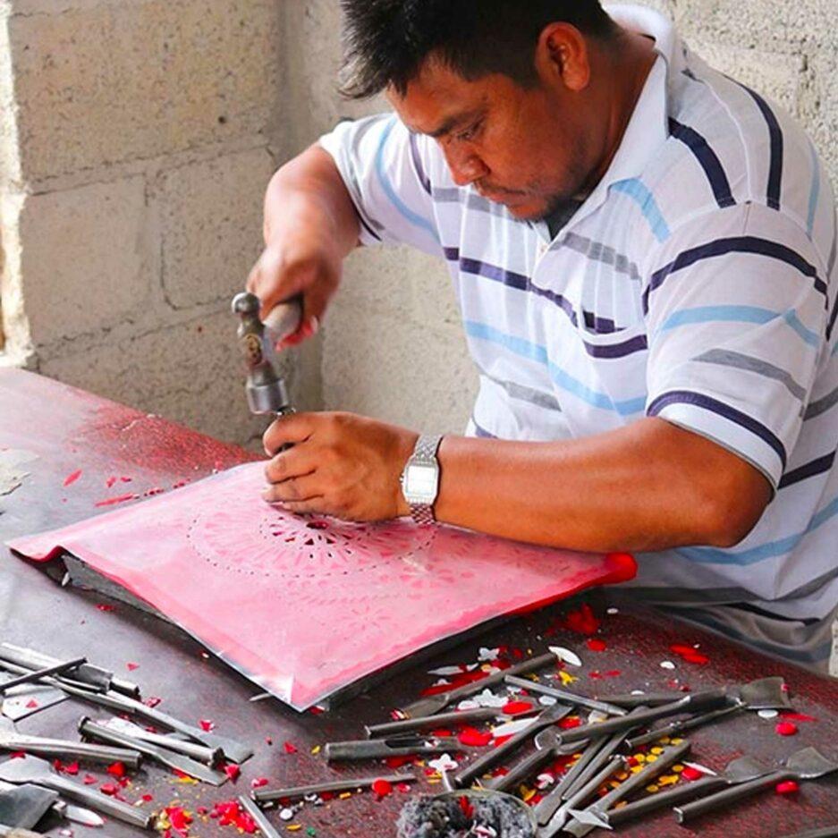 Herstellung der Papier Girlande aus Mexiko ♥ Boho Deko Fahne ♥ Dekoration im Boho Style für Geburtstag ♥ Ethno Deko online kaufen ♥ Soulbirdee Onlineshop