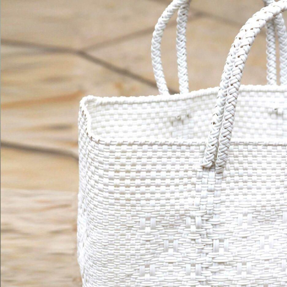 Detail der Henkeltasche mit Muster ♥ Robuste Tragetasche aus stabilem Plastikband ♥ Handtasche & Einkaufstasche ♥ Soulbirdee Onlineshop