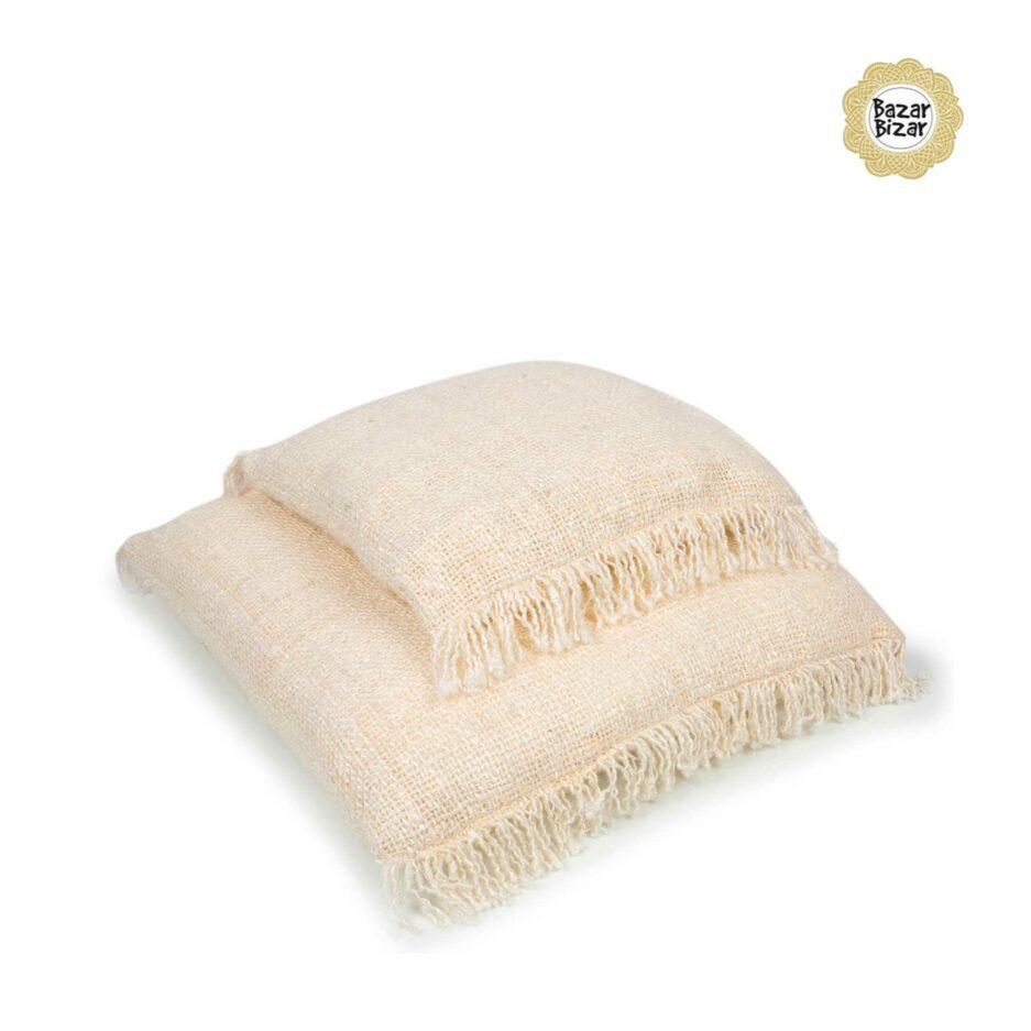 Kissenbezug CREAM ♥ The Oh My Gee - CREAM von Bazar Bizar, ein weiches Kissen aus Baumwolle mit Fransen ♥ Bazar Bizar kaufen mit Rabatt