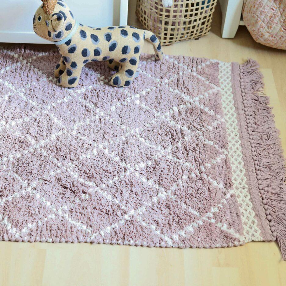 Hochfloriger Teppich fürs Kinderzimmer ♥ Weicher, waschbarer Teppich aus Bio-Baumwolle ♥ Liv Interior Beni Ourain Teppich mit Fransen