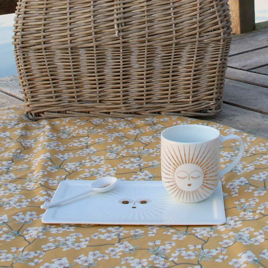 Geschirr mit einer goldenen Sonne ♥ ein Geschenk für einen geliebten Menschen ♥ Weihnachtsgeschenk Henkeltasse aus Porzellan ♥ Geschenk kaufen