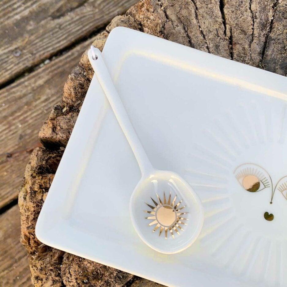 Löffel aus weißem Porzellan mit einer goldenen Sonne ♥ ein Geschenk für einen geliebten Menschen ♥ Weihnachtsgeschenk Henkeltasse aus Porzellan ♥ Geschenk kaufen