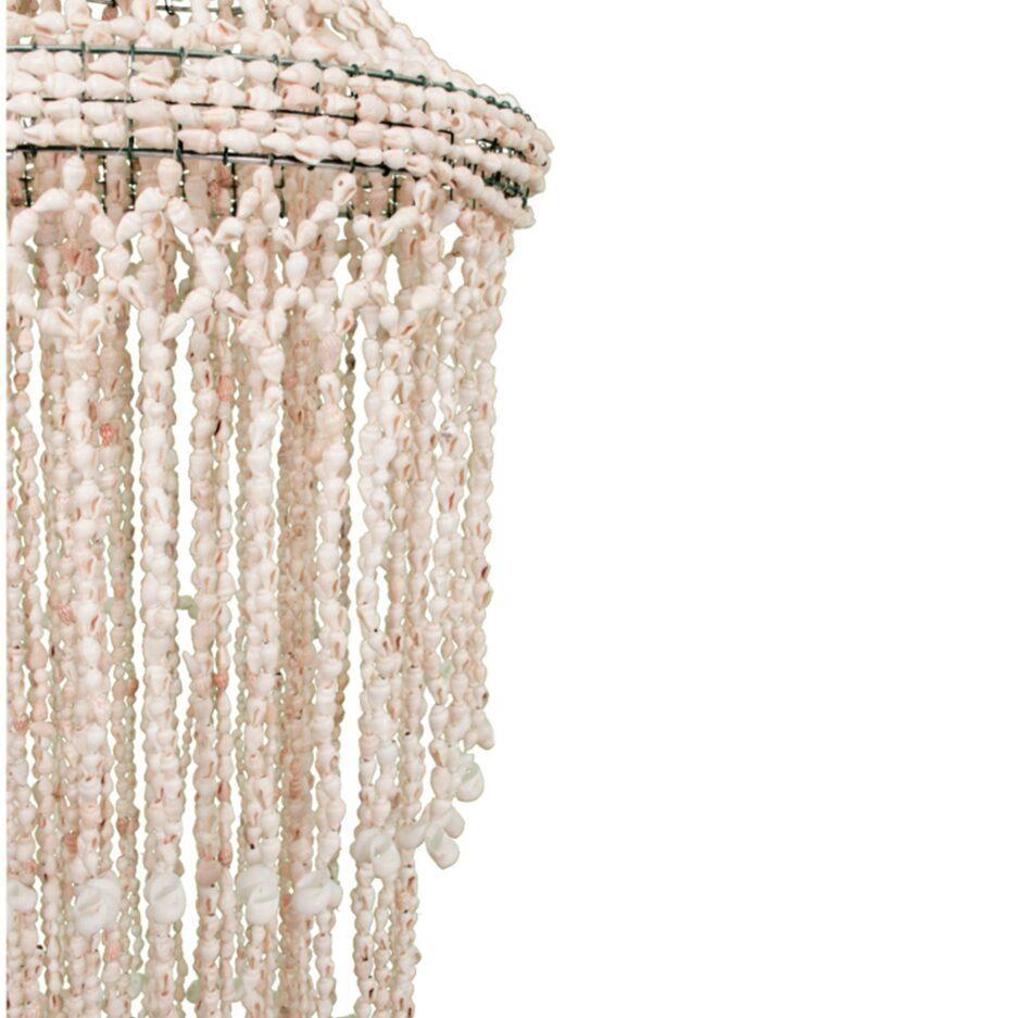 Hängelampe aus Muscheln im Bohemian Wohnstil. Hängender Lampenschirm mit 40 cm Durchmesser im Makramee Look bei Soulbirdee kaufen