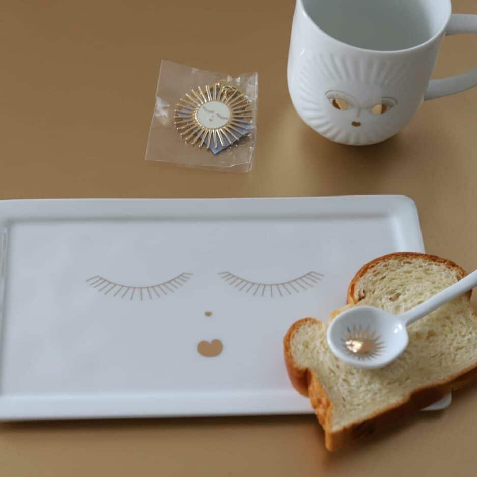 Porzellan Tasse und Teller mit goldenem Gesicht aus Geschirr Set