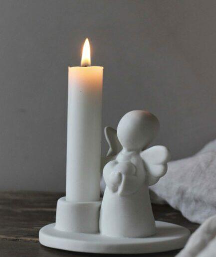Kerzenleuchter mit Engel ♥ Weihnachtsdeko in der Adventszeit ♥ Kerzenständer aus Porzellan mit einem kleinen Engel als Geschenk ♥ Adventsdeko